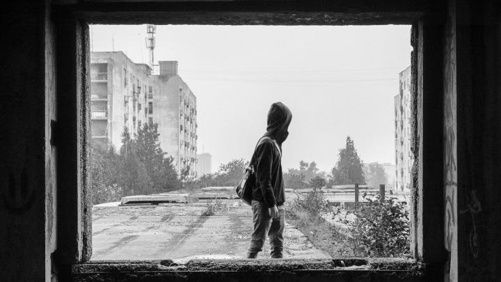 Уличный художник Слава Птрк из Екатеринбурга создаст инсталляцию, посвященную чеченским войнам