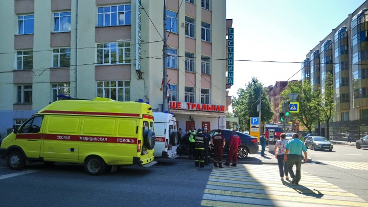 Двое пострадавших в ДТП у гостиницы «Центральная» в Перми — пешеходы, которые стояли на тротуаре