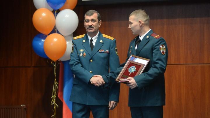 Путин присвоил генеральские звания начальникам свердловского МЧС и Росгвардии