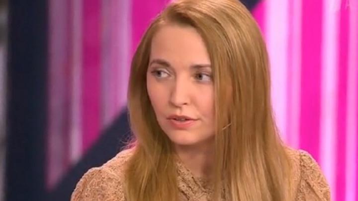 Артистка Пермского оперного театра рассказала на Первом канале, как ее избивал коллектор