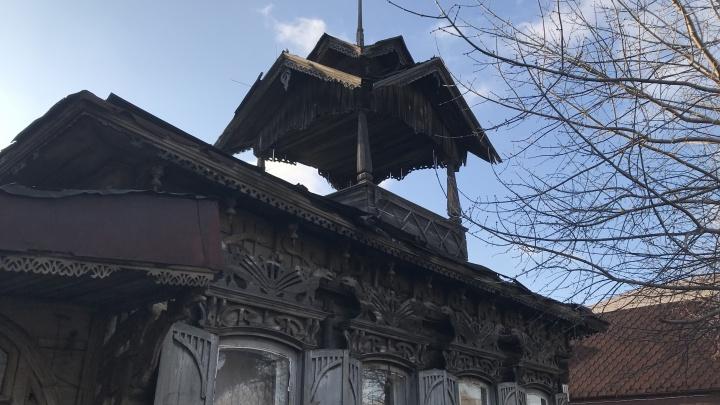 Омский памятник архитектуры начал разрушаться из-за сильного ветра