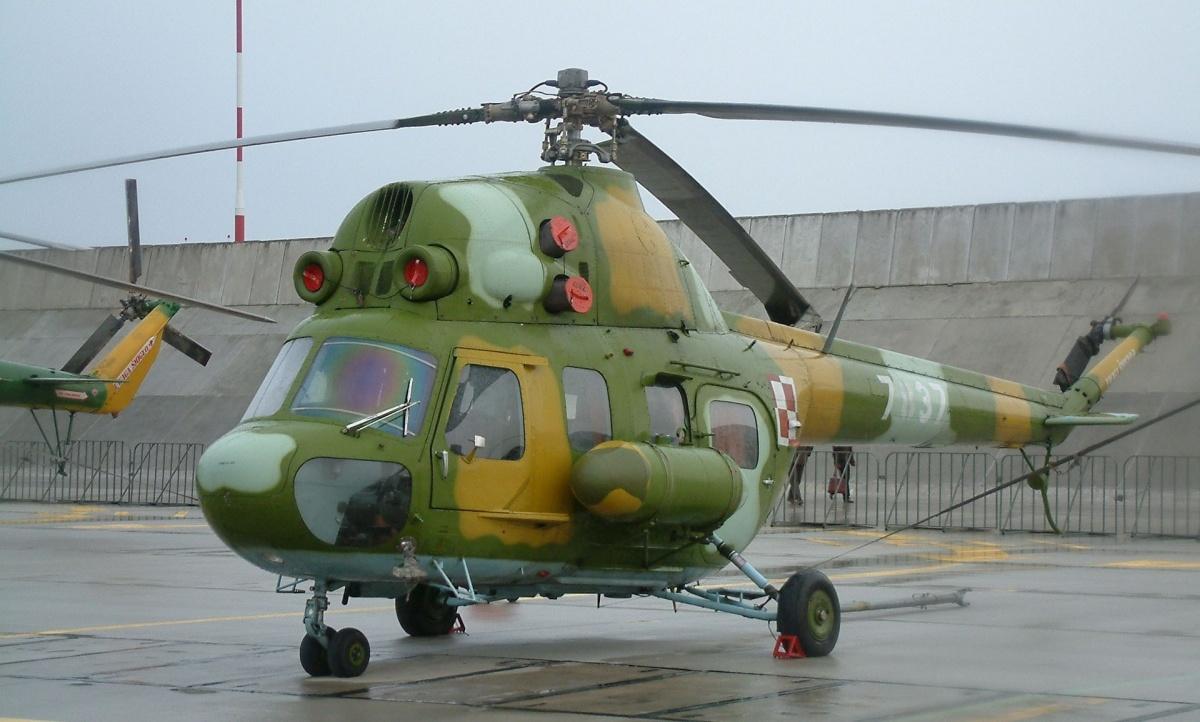 Небольшой вертолет Ми-2 Петра Ерофеева сразу вылетел к месту трагедии: по словам коллег, пилот хорошо знал местность и сумел выбрать удобное место для погрузки раненых