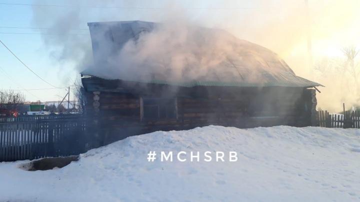 Следователи Башкирии разбираются в причинах гибели трех женщин, тела которых нашли в сгоревшем доме