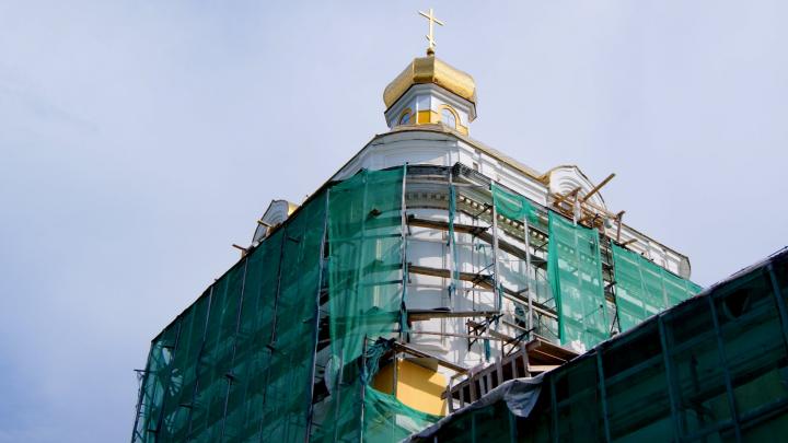 Ремонт фасада пермской галереи наконец-то заканчивается. Когда с неё снимут зеленую сетку?