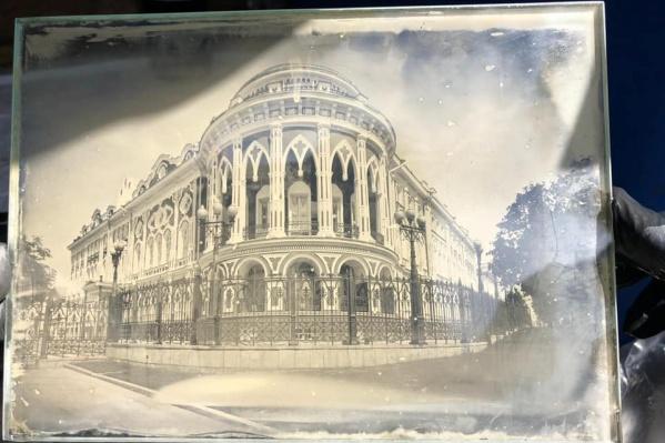 Дом Севастьянова — одна из визитных карточек города