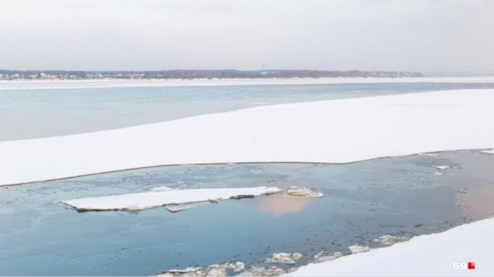 В Прикамье нашли тело одного из утонувших рыбаков. Поиски второго продолжаются