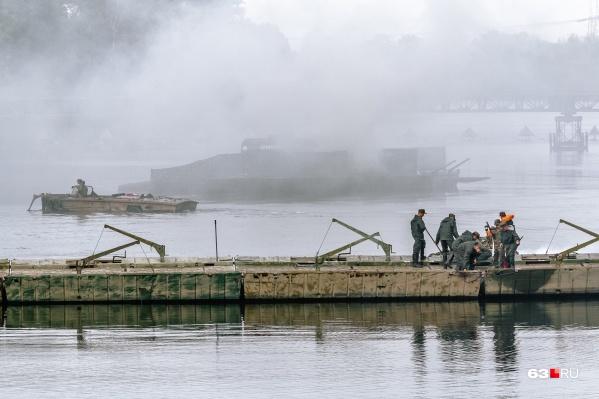 Всего армейцы соорудили пять мостов через реку Самару