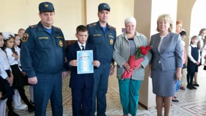 В Уфе 11-летний мальчик спас из огня семилетнего ребенка