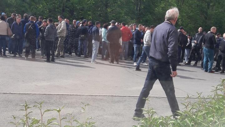 Работники завода Аристова устроили бунт из-за низкой зарплаты