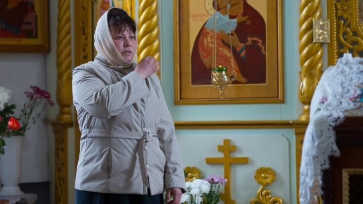 «Искали труп, живую не искали»: мать пропавшей девочки из Михайловска бросила пить, чтобы вернуть ее