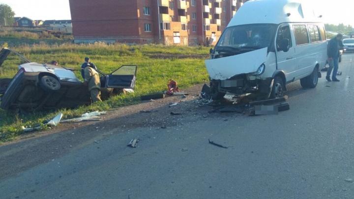 В Башкирии столкнулись пассажирская «Газель» и «девятка»: один человек погиб