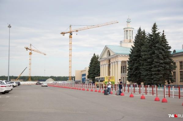 Сейчас активно строится новый терминал внутренних авиалиний