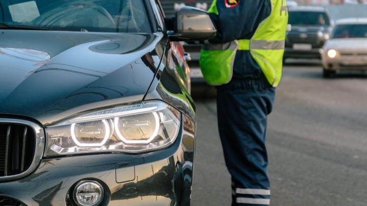«Обгонял по обочине»: в Чапаевске ищут водителя, который сбил пешехода и сбежал