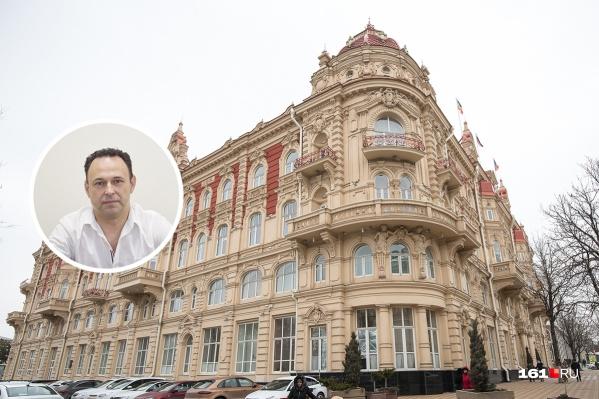 Юрий Овчинников до сегодняшнего дня занимал должность гендиректора Ростовской транспортной компании