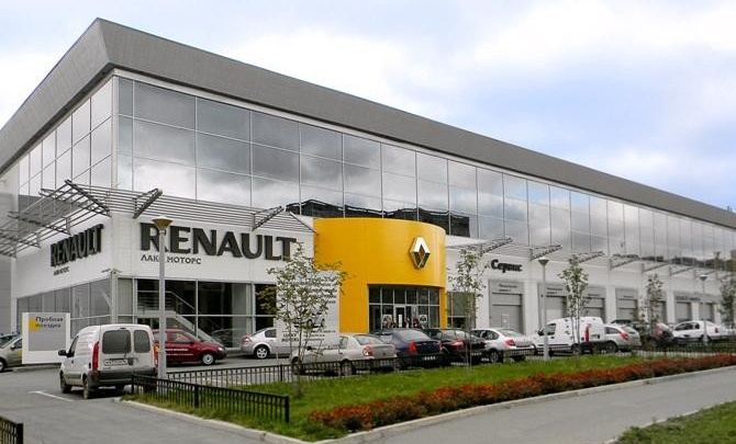 Дилерский центр Renault празднует своё 10-летие в космических масштабах