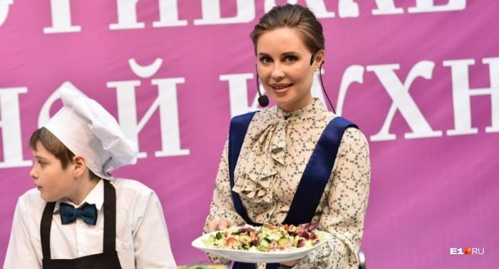 Юля Михалкова угостит постными блюдами