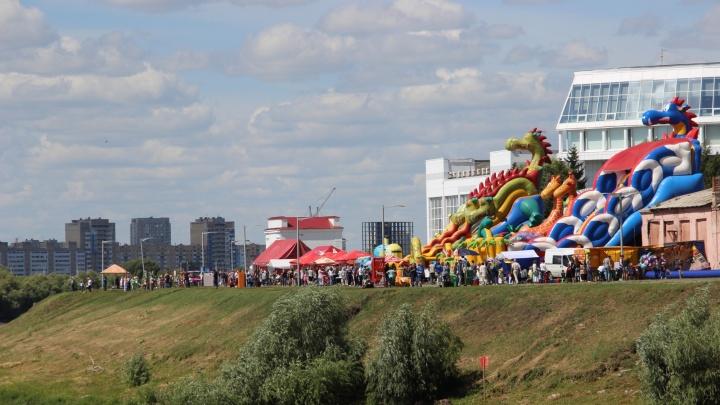 Парк 30-летия ВЛКСМ объявил аукцион на покупку батута с пятиметровыми горками