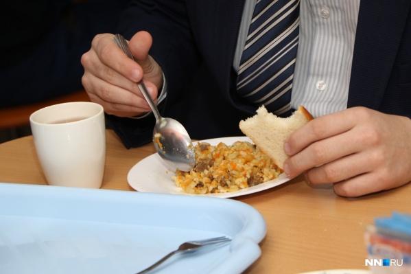 Питаться становится опасно не только в школах, но и детских садах