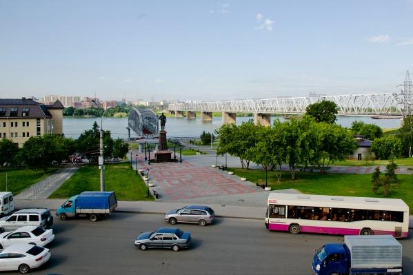 Высаживать и забирать пассажиров возле парка будут только те водители, которые едут в сторону Речного вокзала