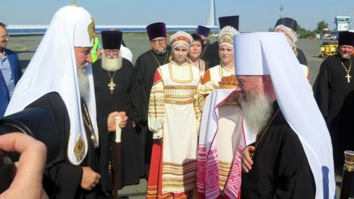 Курганцы считают поездки кортежей и радуются приезду гостей из Москвы