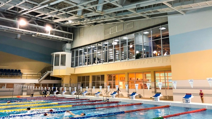 Родители жалуются, что тренер могла отойти с занятий. Комментарий Федерации синхронного плавания