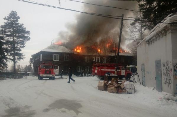 Площадь пожара составила 500 квадратных метров