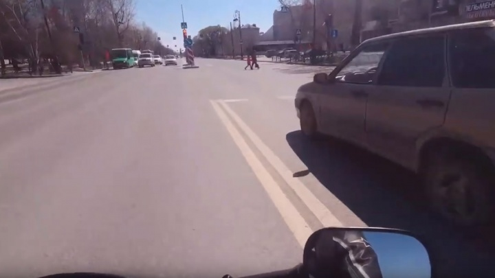Мотоблогера, опубликовавшего видеозапись опасной гонки по Республики, привлекли к ответственности
