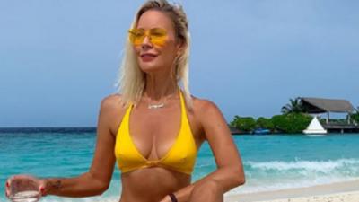 Каждый выход — новый купальник: рассматриваем наряды, в которых Елена Летучая появляется на пляжах