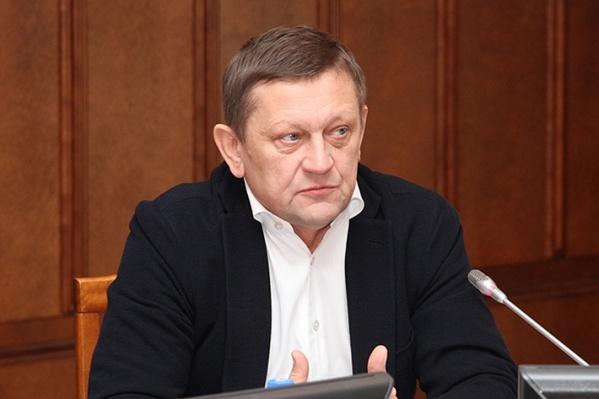 Александр Караськов возглавлял клинику Мешалкина с 1999 года
