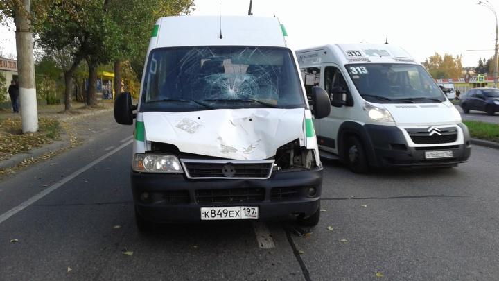 «Отлетел на несколько метров»: в Тольятти маршрутка сбила насмерть пешехода