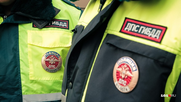 Опасный поворот: в Ростове в аварии пострадали три человека