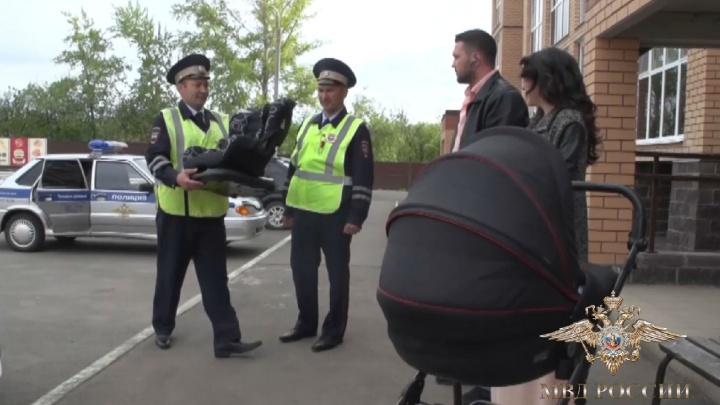 В роддом с эскортом: в Уфе роженицу со схватками к медикам провожали полицейские