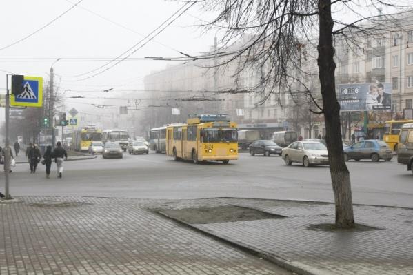 В городе рассчитывают решить проблему транспорта, создав платные парковки в центре