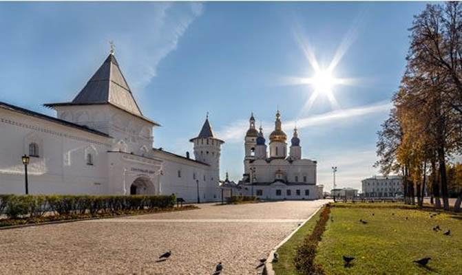 Осенью из Екатеринбурга можно совершить незабываемые путешествия на поезде