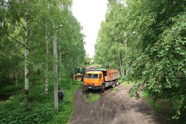 К 1 октября парк украсят фигуры Маши и Медведя, семерых зелёных гномов с трехметровой Белоснежкой, появятся тренажеры и детская площадка