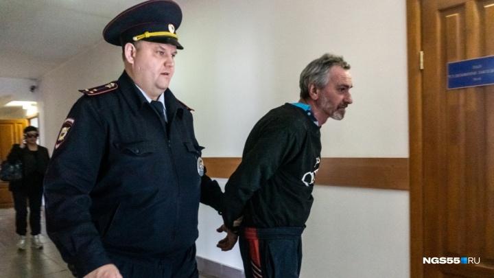 Суд отправил омича, который кинул своего внука в печь, на принудительное лечение