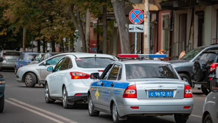 Сорвали зеркала, забрали аккумулятор: на Западном участились автомобильные кражи