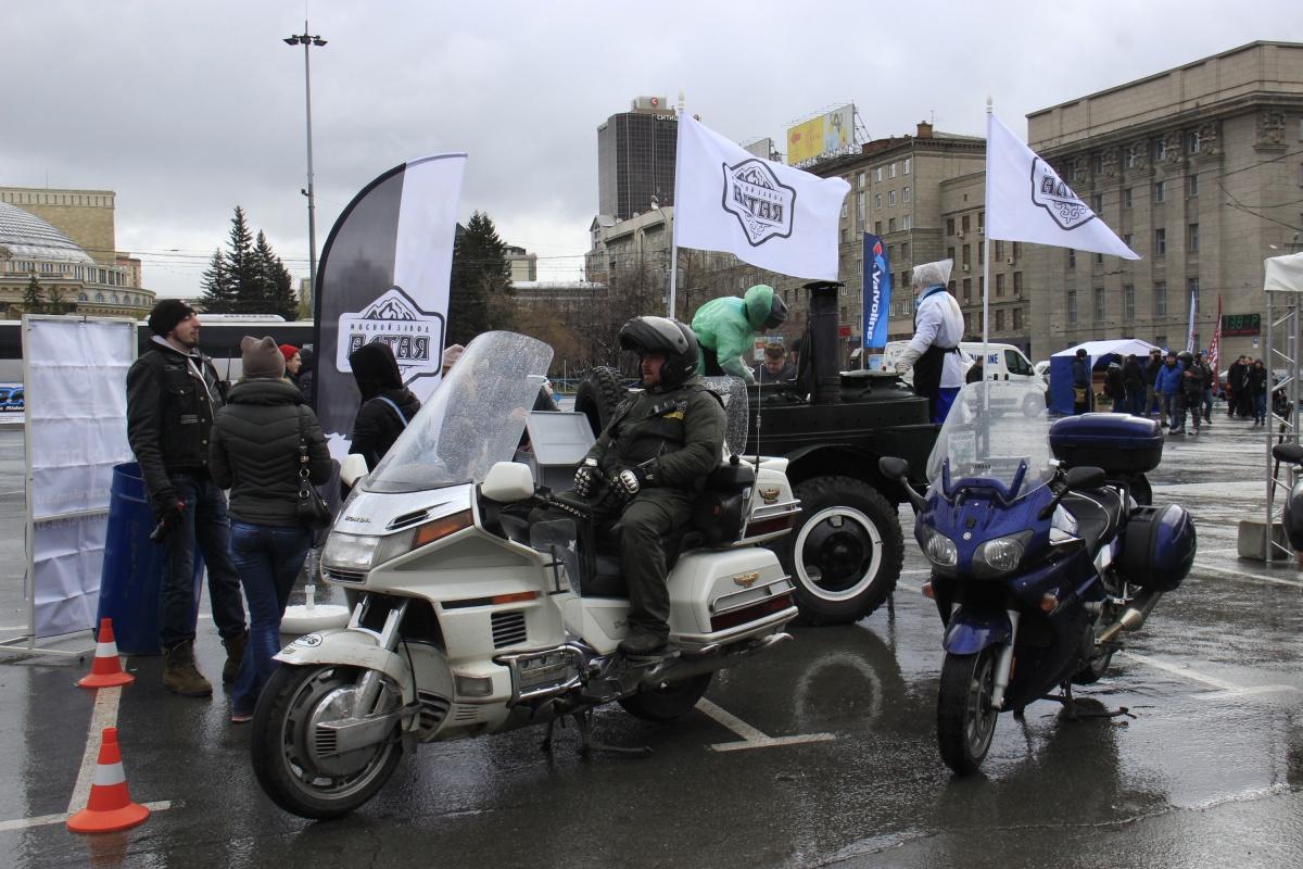 Для проведения фестиваля власти освободили парковку на площади Ленина
