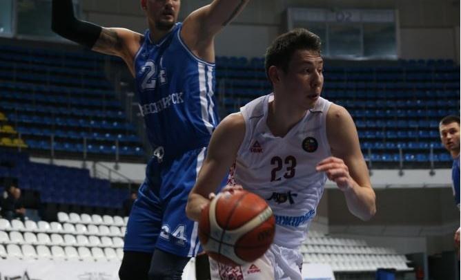 Баскетбол: новосибирская команда проиграла первый выездной матч сезона