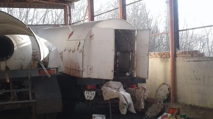 В Ростове при взрыве полуприцепа с цистерной погиб 31-летний мужчина