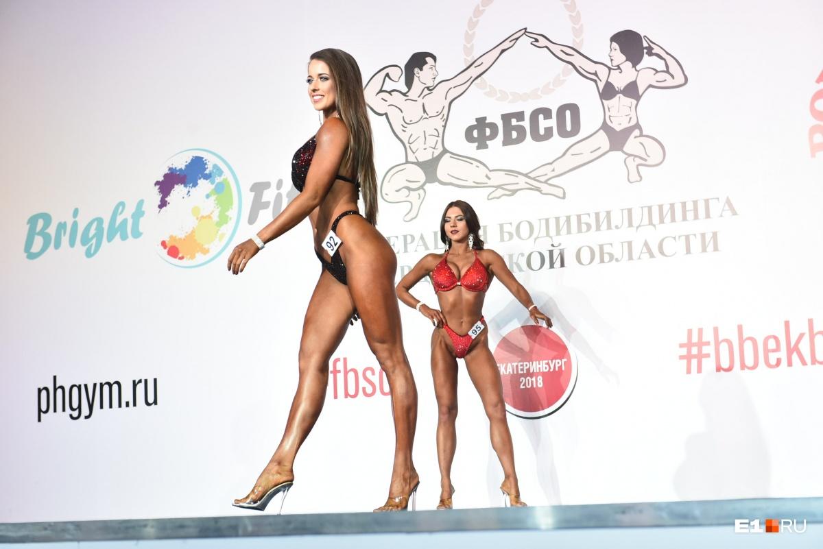 В соревнованиях принимают участие настоящие красотки