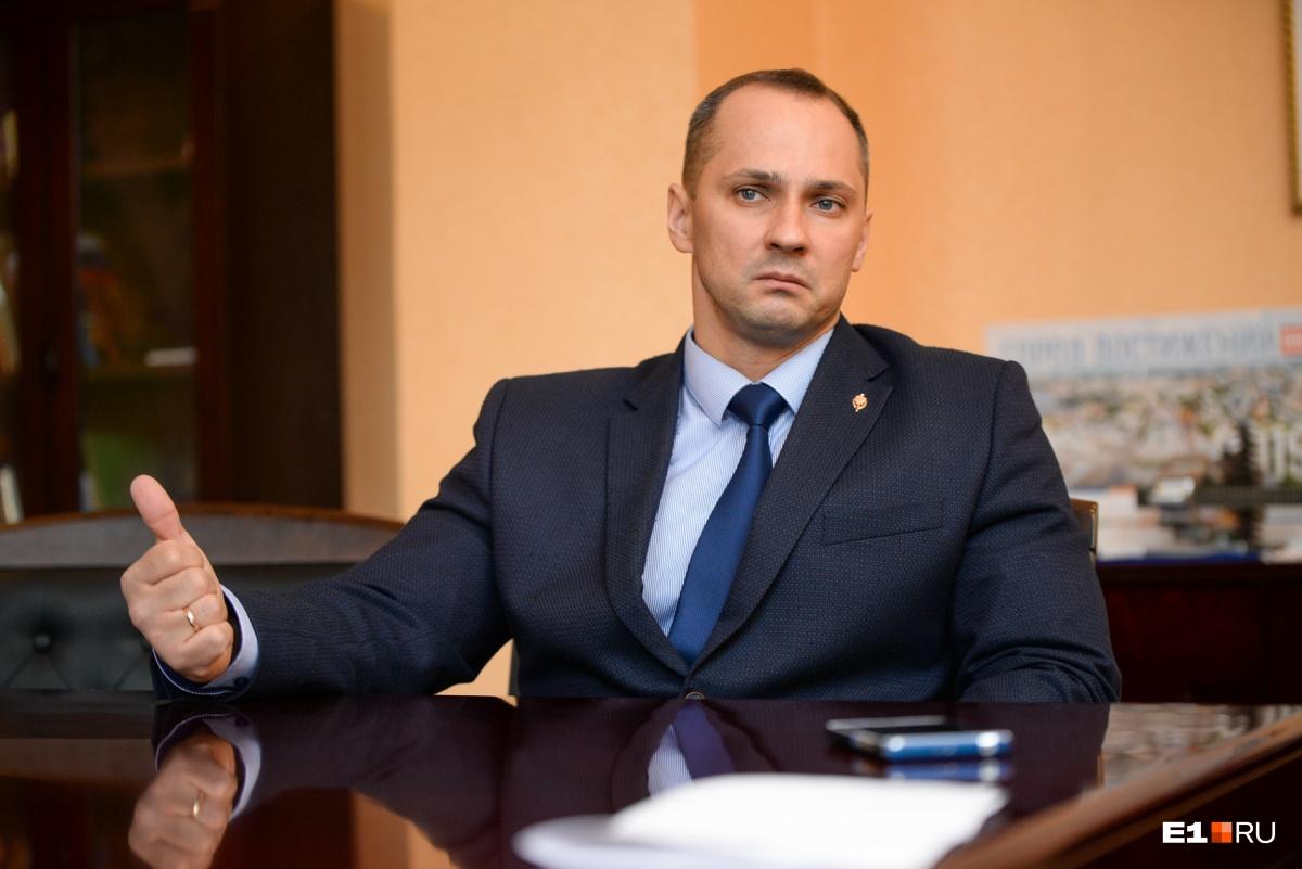 Кравченко отмечает, что далеко не все жители готовы дополнительно платить за вывоз снега