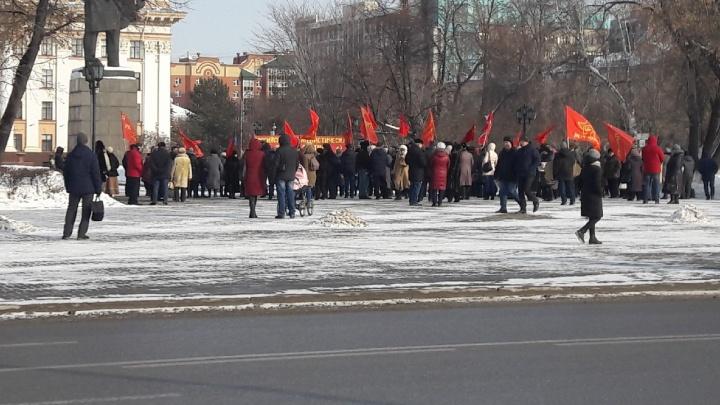 Участники митинга против мусорной реформы в Тюмени потребовали снизить тариф до 50 рублей с человека