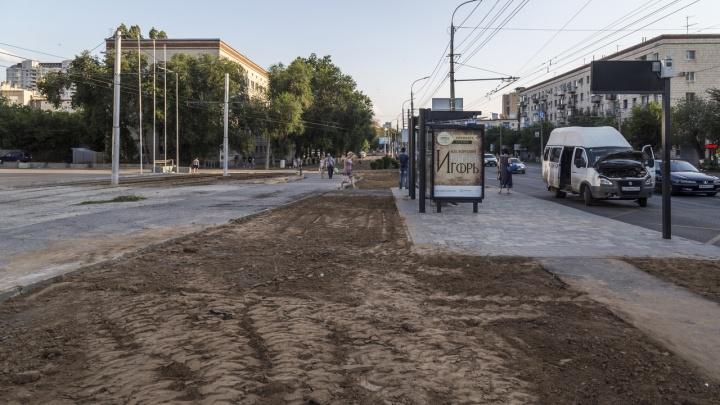 В Волгограде спустя год после мундиаля решили доделать остановку на улице Бакинской