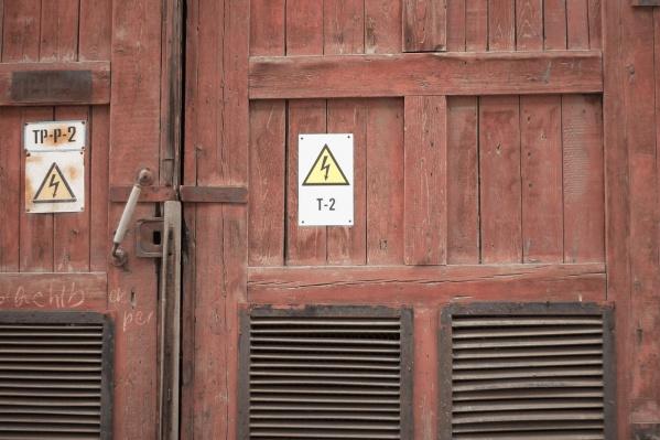 Трансформаторная будка в посёлке оказалась открытой
