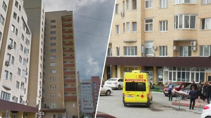 Медики рассказали о состоянии ребенка, выпавшего с шестого этажа на улице Гондатти