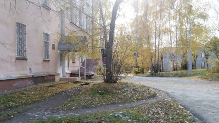 «Гулял с друзьями»: в Челябинской области ребёнок упал с недостроенного здания