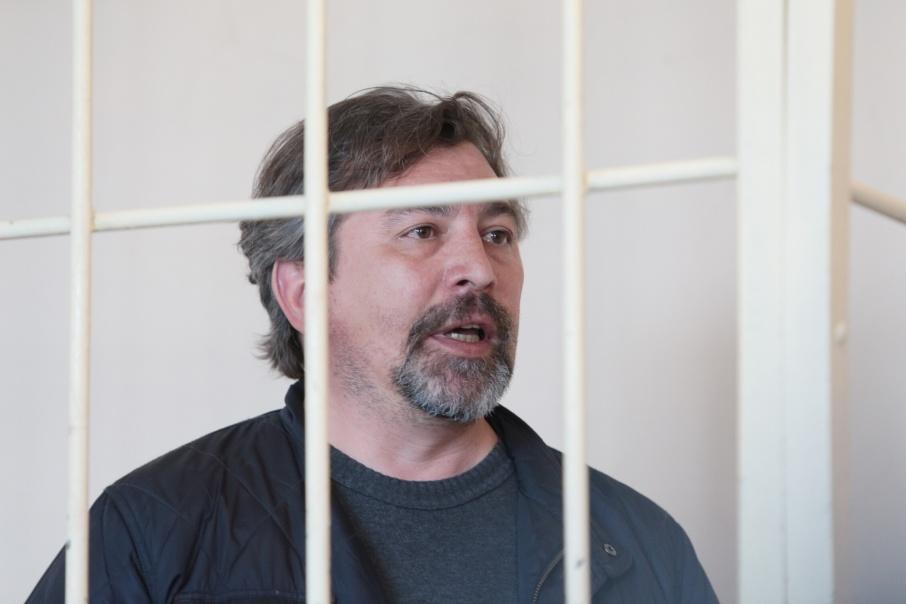 Юрия Чанова после задержания взяли под стражу, а потом перевели под домашний арест