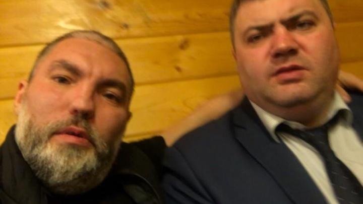 Автор скандального видео с криками «АУЕ» фотографировался с высокопоставленным тюменским полицейским