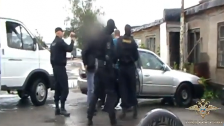 В Новосибирске задержали торговца нелегальными пистолетами и патронами